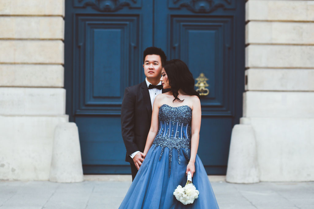 paris pre-wedding photo session france daria lorman