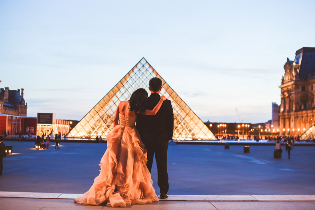 paris pre-wedding photo session france daria lorman onethreeonefour