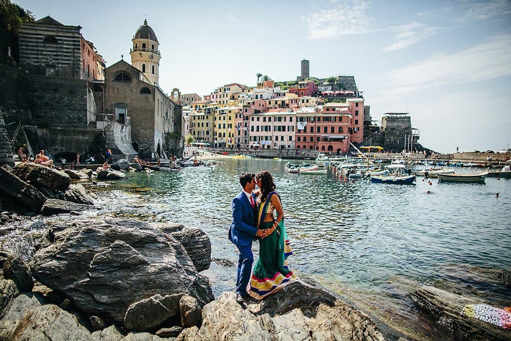 Indian Pre Wedding Photo In Cinque Terre By Alessandro Ghedina