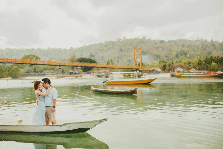 wedding photo at Lembongan Yellow Bridge