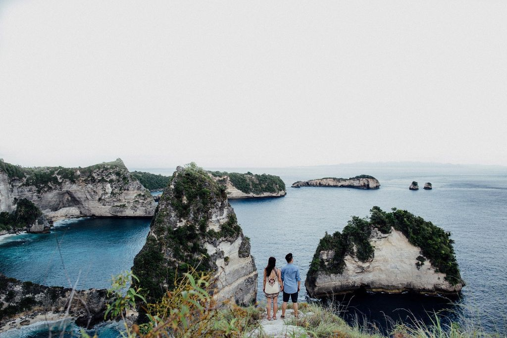 couple photoshoot at Nusa Penida Atuh Beach