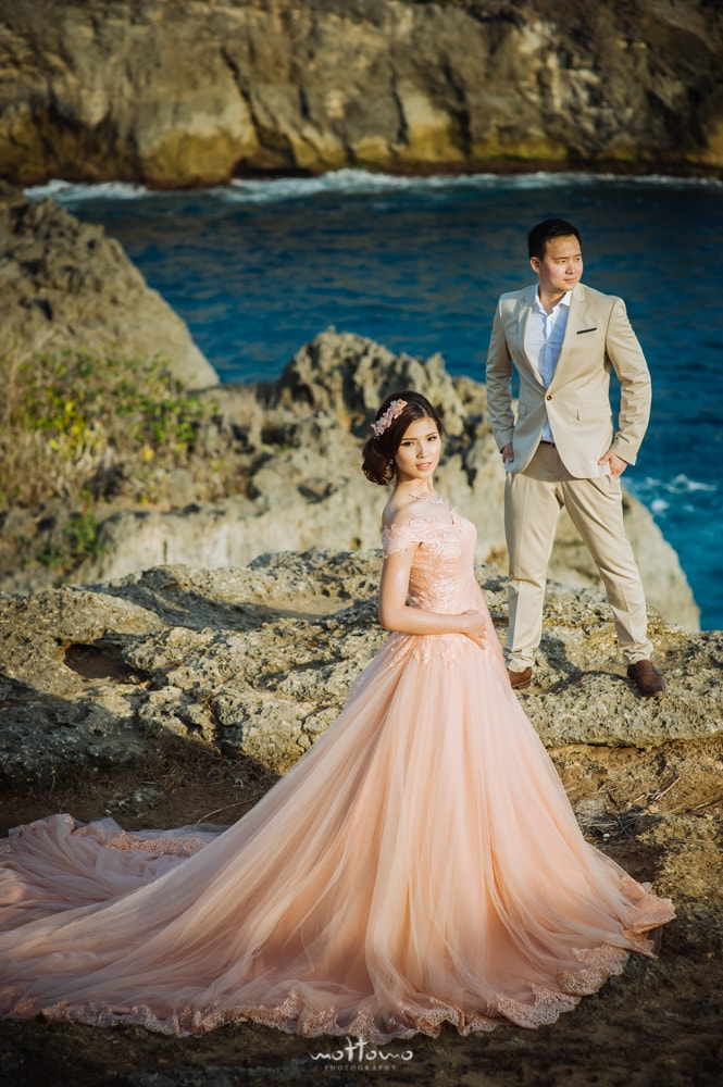 wedding photo at Nusa Penida Pantai Pasih Uug