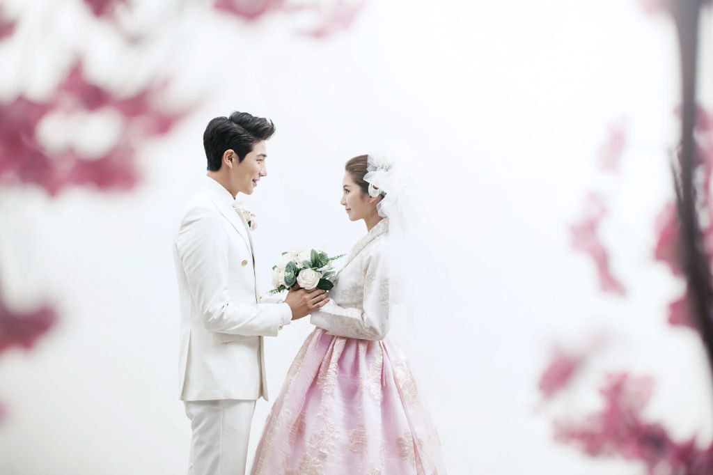 A bride with the hanbok – traditional Korean outfit