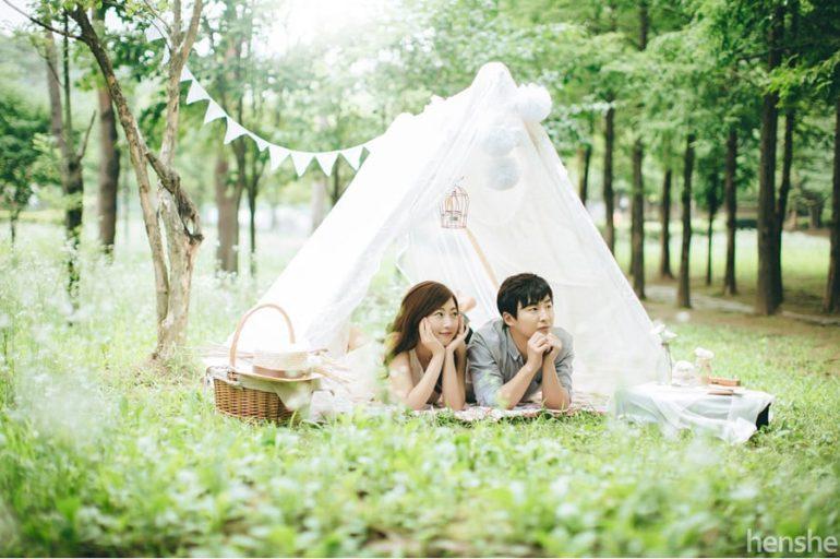 Korean couple shoot picnic