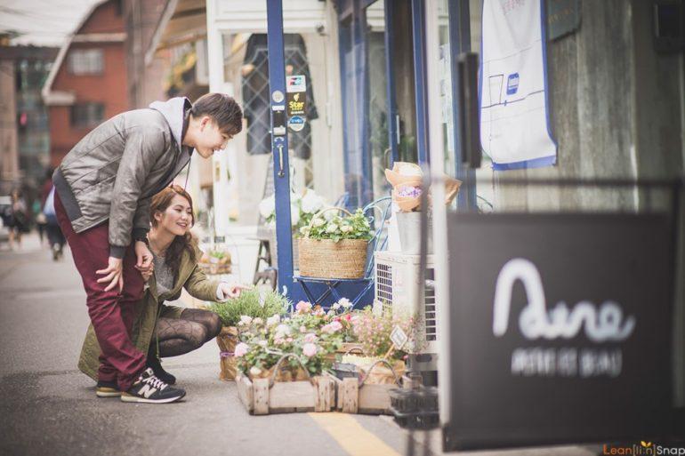 korean couple shoot hongdae shopping