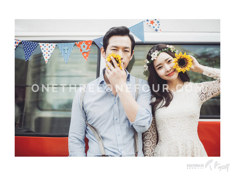 Summer Engagement Photoshoot ideas - SUM Studio