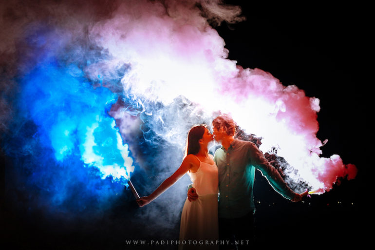 Fun and easy props for pre-wedding photoshoot - Padi photography