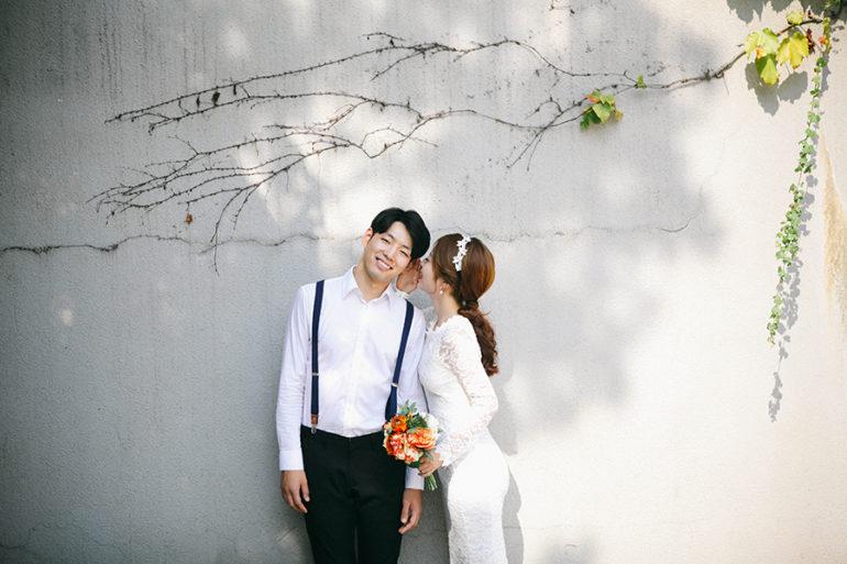Pre-wedding Photoshoot Poses Ideas - Bohemio Photo