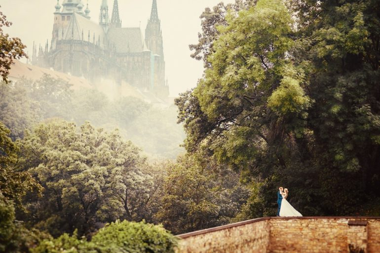 Prague castle wedding photo shoot