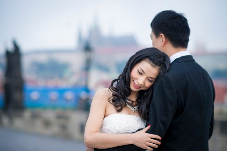 prague wedding photographer raifa