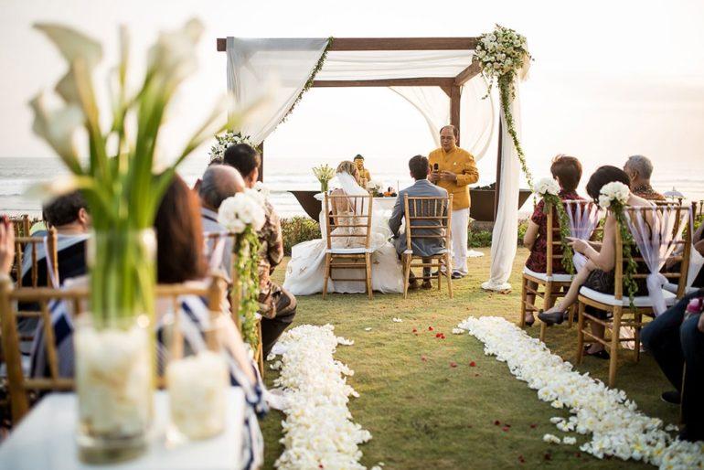 bali wedding at alila soori bali
