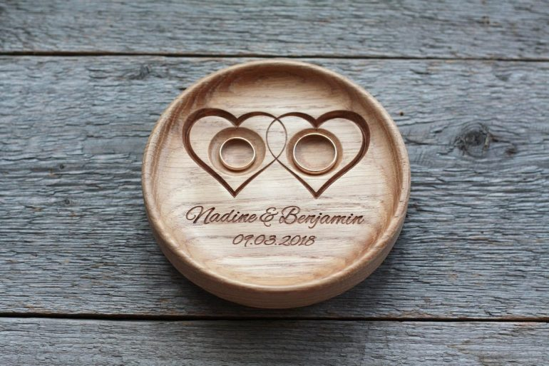 29e1dde48668 15 Unique and Personalised Wedding Ring Holders from Etsy - Blog ...